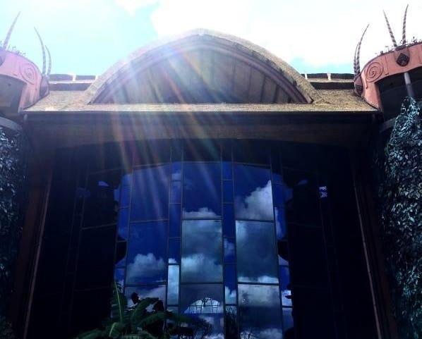 Jambo House Windows