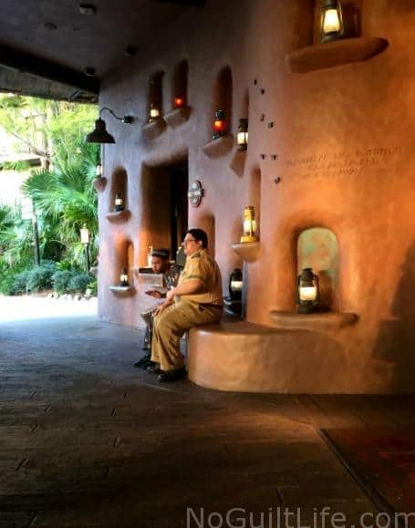 Animal Kingdom Lodge Cast Members provided an impromptu drum concert at the front door of Kidani Village.