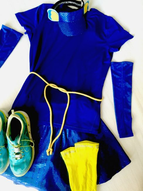 Disney Bounding inspired by Finding Dory. Oh look, a blue shirt- I saw one pass by not too long ago. Basically me in my closet as I searched for Nemo or Dory inspired outfits. I found some running costumes too! Got a race in the future I might want to use this for. Check out these simple Dory bounding hacks.