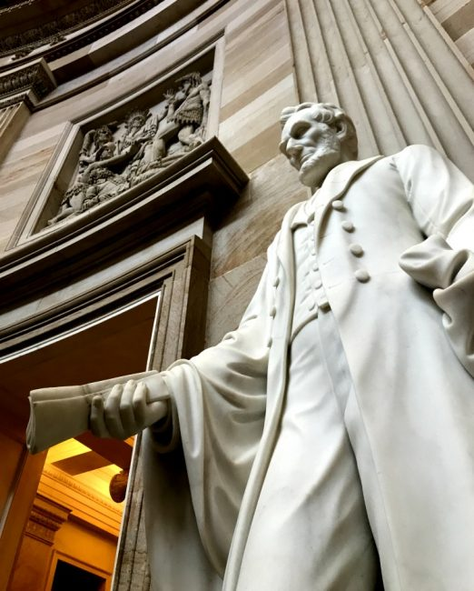 Abraham lincoln in the US capitol building rotunda tour