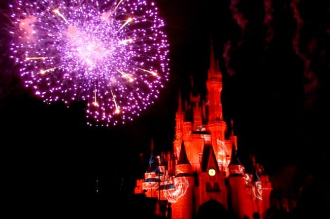 You should head to Walt Disney World or Disneyland in the fall. Why? This guide to Halloween at the Disney parks reveals all! No tricks, just treats! It's not-so-scary and extra magical!