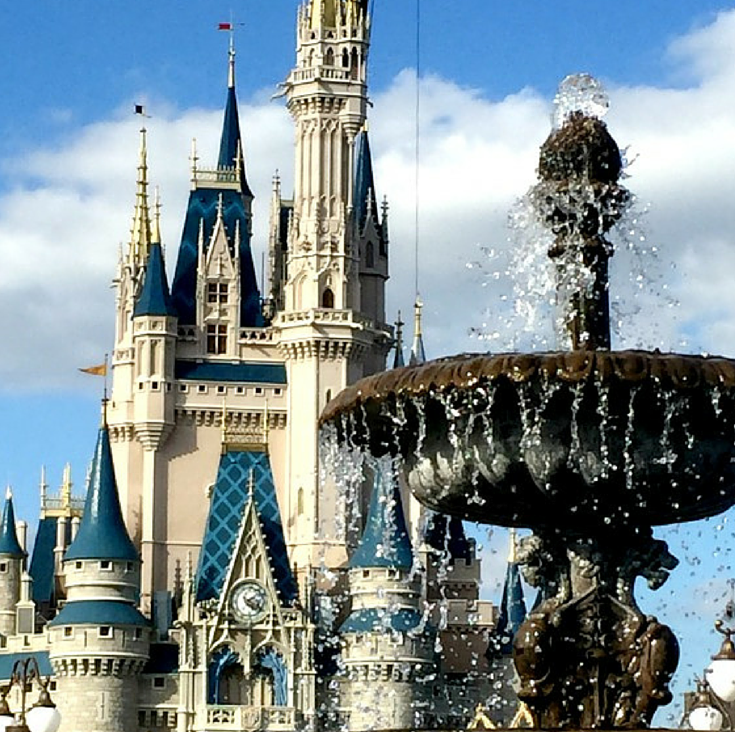cinderella castle fountain at disney world with toddlers