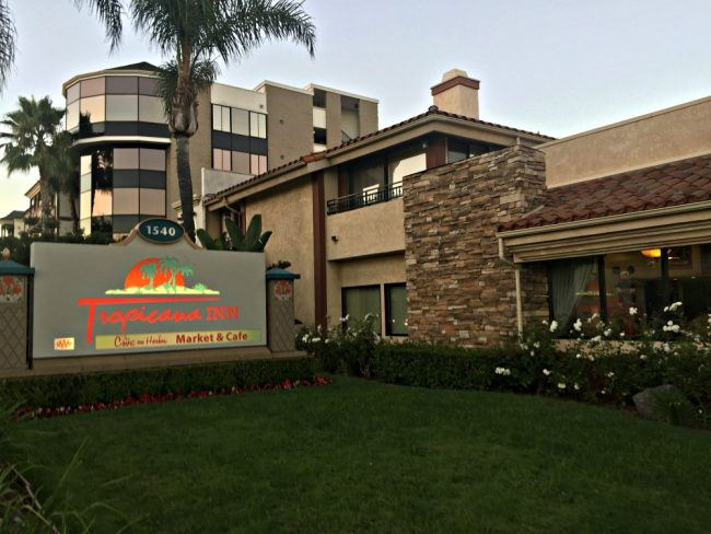 disneyland good neighbor hotel tropicana inn