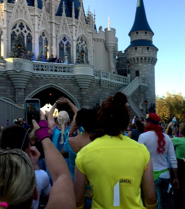 Anna and Elsa at runDisney races