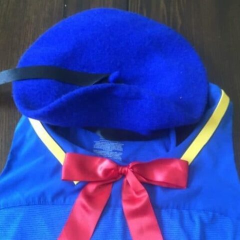 Easy no sew Donald Duck costume hat tutorial. Perfect for any runDisney event! Walt Disney World | Disneyland | Running Costumes | Halloween