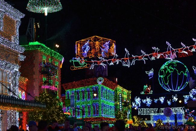Christmas at Disney: YES! You should head to Walt Disney World or Disneyland in for the Christmas holidays. Or maybe to the Disney Cruise Line. Why? This guide to Christmas at Disney reveals all! It's our Very Merry gift to you! Mickey's Very Merry Christmas Party | Jingle Cruise | Osborne Family Lights |