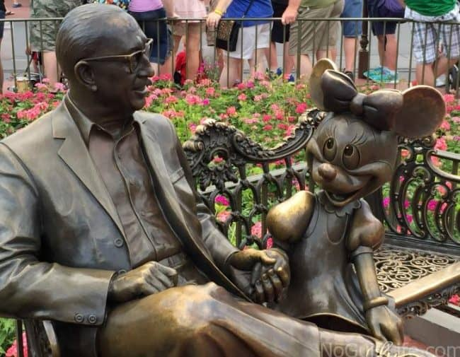 roy and minnie mouse at disney world