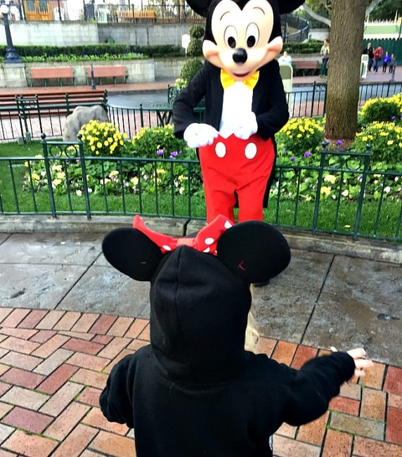 6 kid approved California theme parks to visit during spring break and summer vacations. Universal | Disneyland | Sea World | Great America | LEGOLAND | Gilroy Gardens