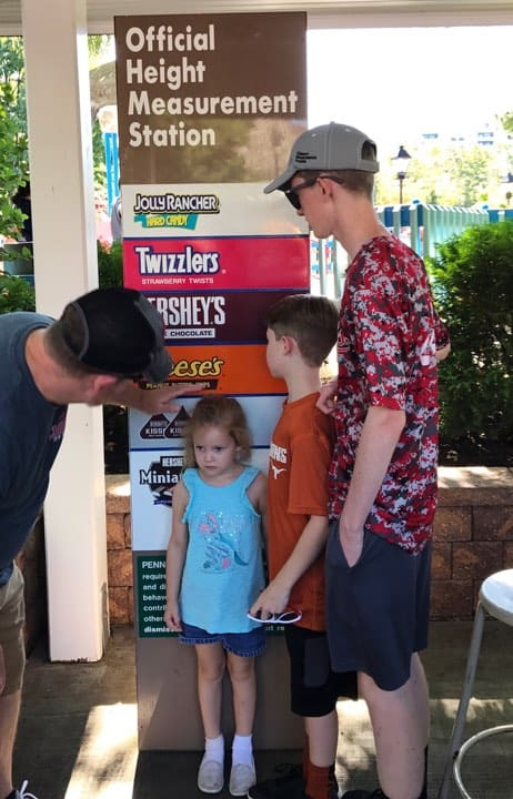 11 Hersheypark tips and hacks for families. You need to know these before your next visit to Hershey, PA with kids!