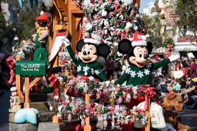 mickey and minnie A Christmas Fantasy parade