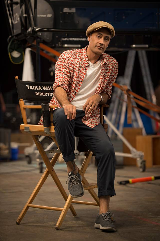 Taika Waititi on set of Thor: Ragnarok Directing