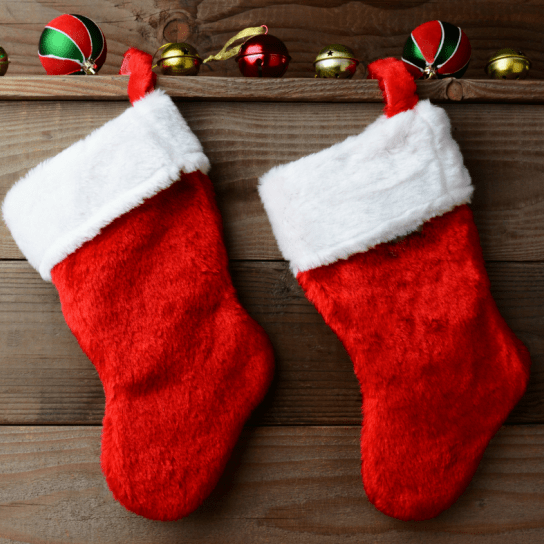 Stocking stuffers for kid travelers. Have a little one who likes to fly or drive around the world with you? Here are the presents they need as gifts this Christmas!