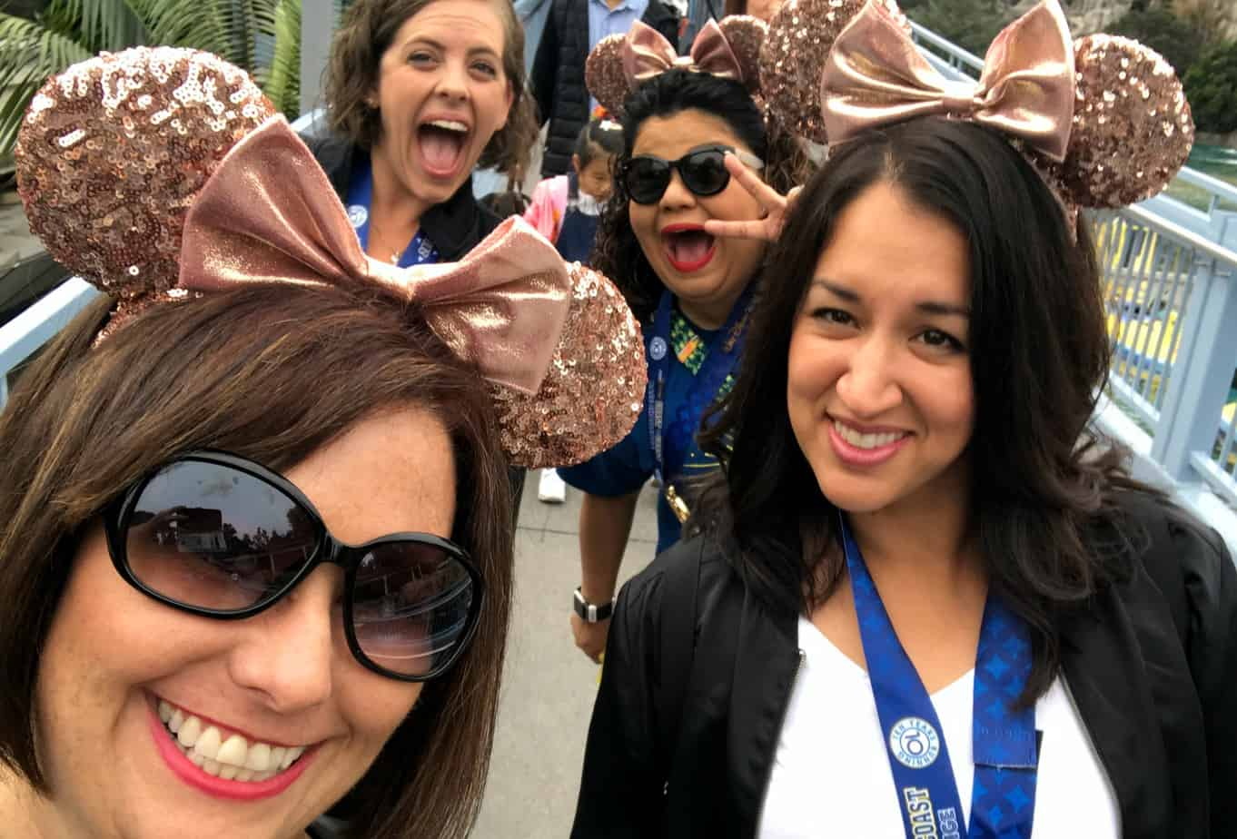 how to find rose gold Minnie ears at Disney world and Disneyland