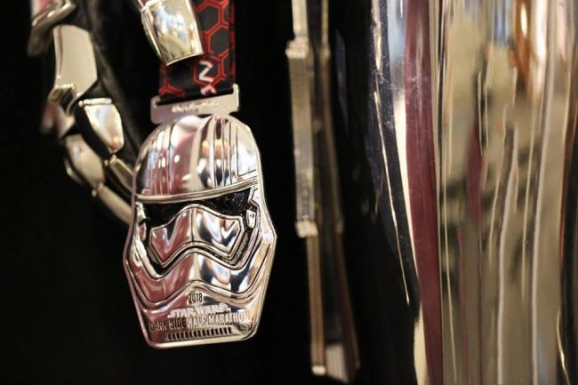 2018 runDisney Star Wars Medals: Dark Side Half Marathon medal