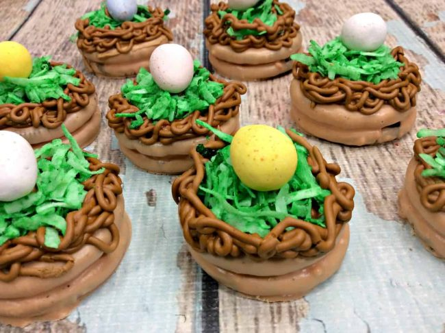 How To Make Chocolate Dipped Oreos for Easter