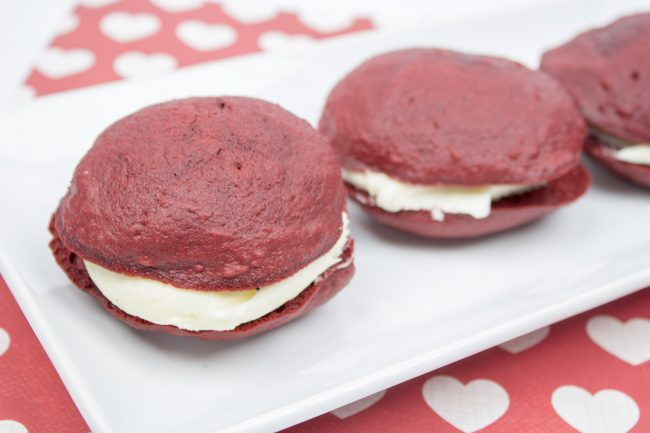 whoopie pie icing You gotta try this easy red velvet cake recipe for whoopie pies! Just like your southern grandma used to make. It's the best recipe not from scratch. Perfect desserts for Valentine's day , Christmas, 4th of July, Easter, and thanksgiving.