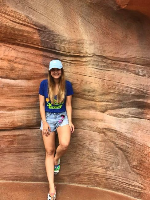 girl in front of the Big Thunder Wall or Frontierland Wall in Disneyland Instagram Disney Walls