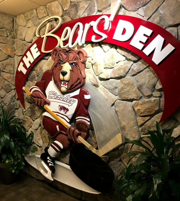 The Bear's Den Sportsbar Hershey Lodge restaurants