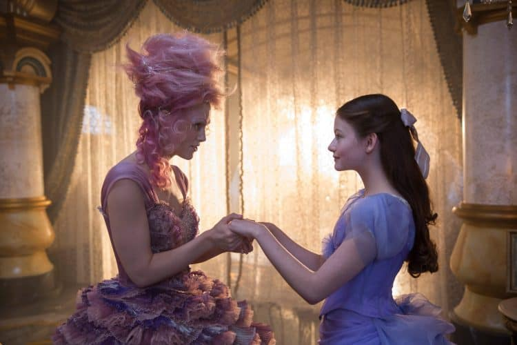 THE NUTCRACKER AND THE FOUR REALMS Keira Knightly as the Sugar Plum FAiry and Mackenzie Foy as Clara