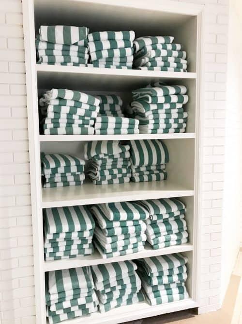 the hotel hershey pool towels