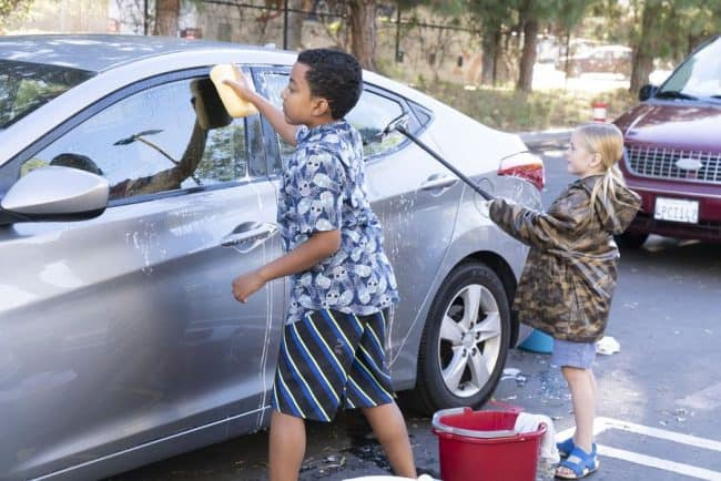 ABC's single parents the beast episode kids car wash