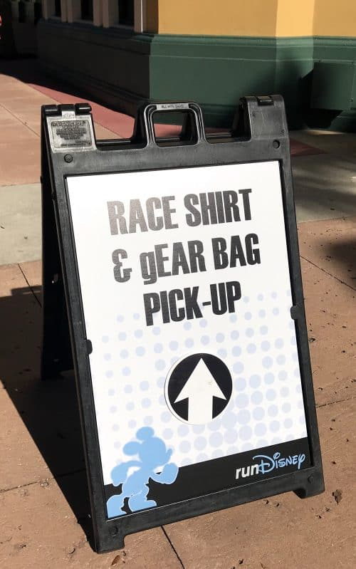 rundisney expo signage for race shirt pickup