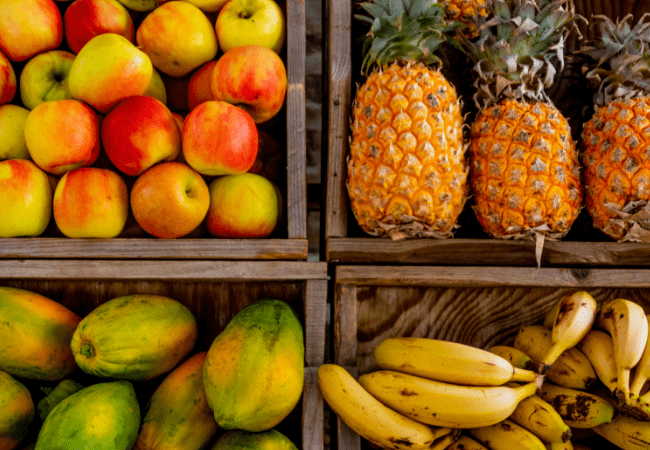 save money in hawaii by shopping at the grocery store for fruit
