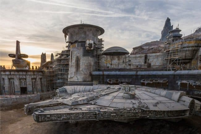 star-wars-galaxys-edge-millennium-falcon-behind-scenes