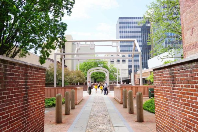 walkway benjamin franklin museum