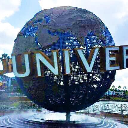 Running Universal rRlando Globe