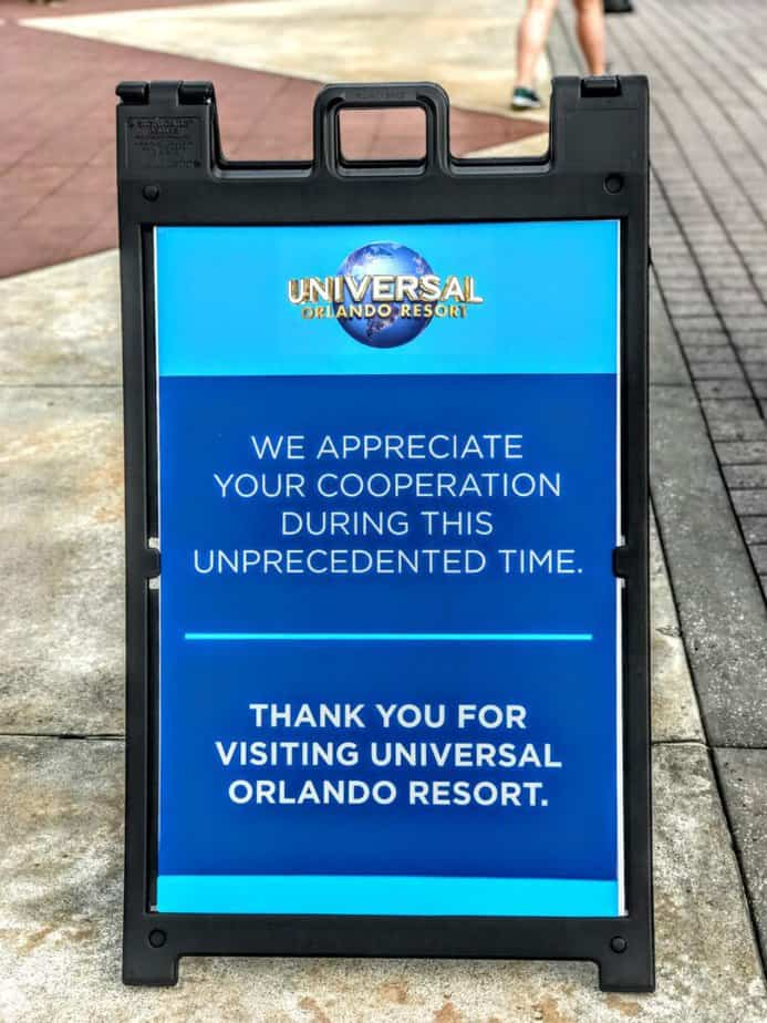 universal orlando annual pass preview sign