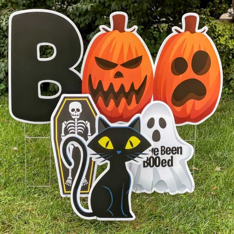 new ideas for halloween BOO yard cards